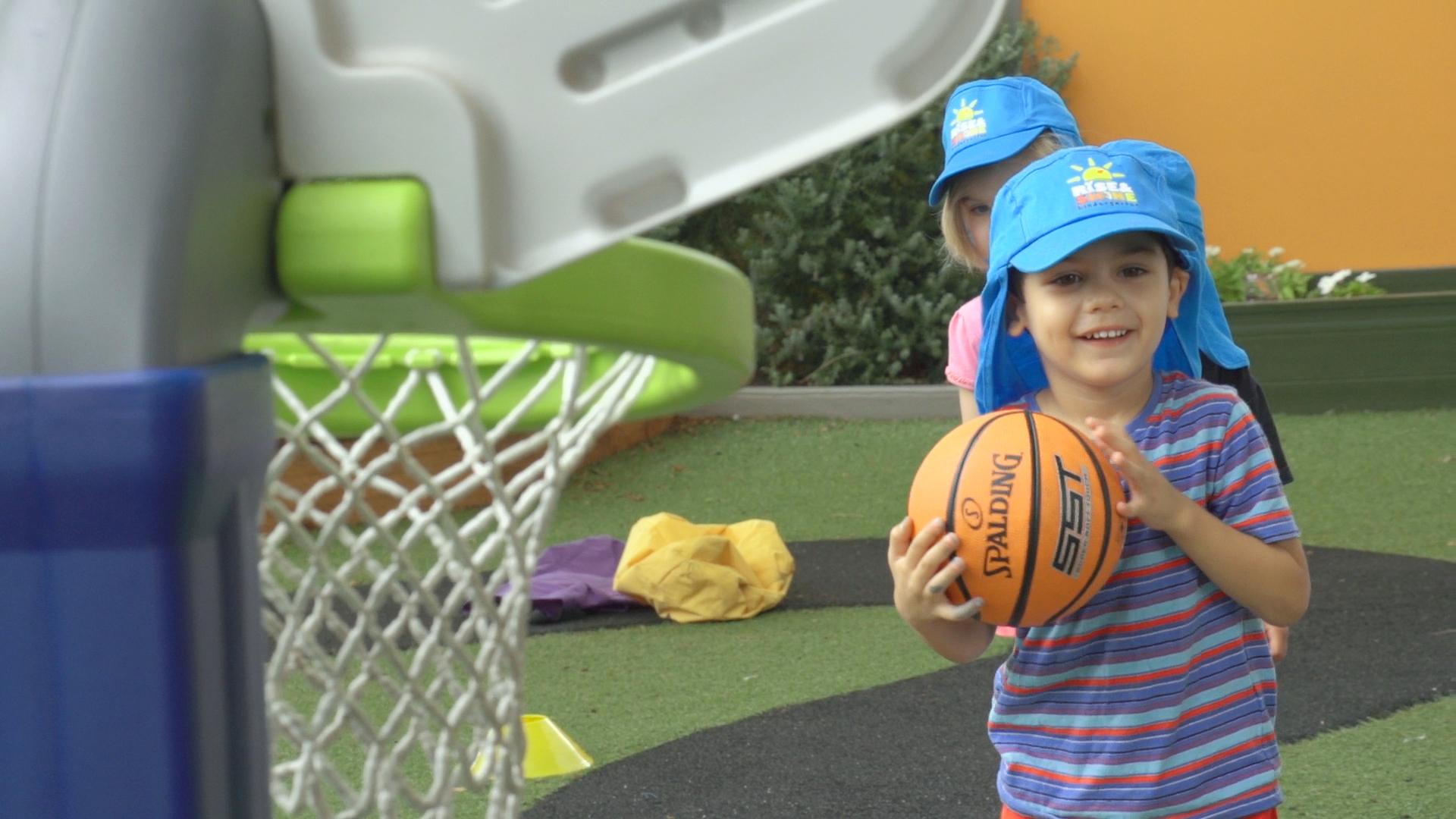 Basketball Sony 04.00_00_24_35.Still001